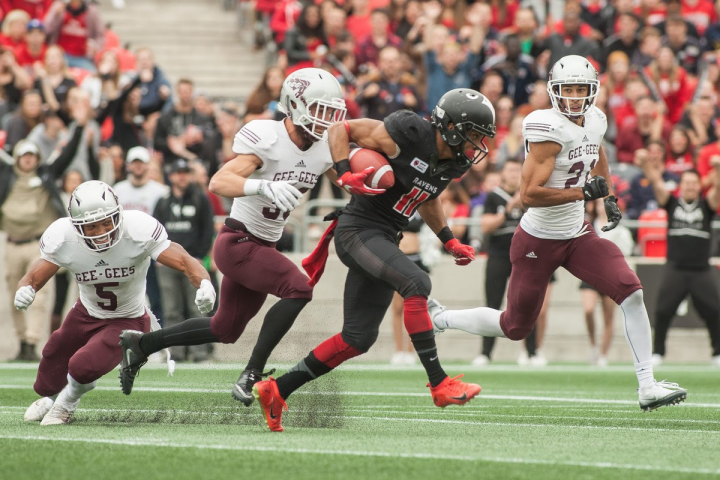 Ravens defeat Gee-Gee's for third straight year in front of a record crowd at TD Place (Photo: Francois Laplante/Freestyle Photography)