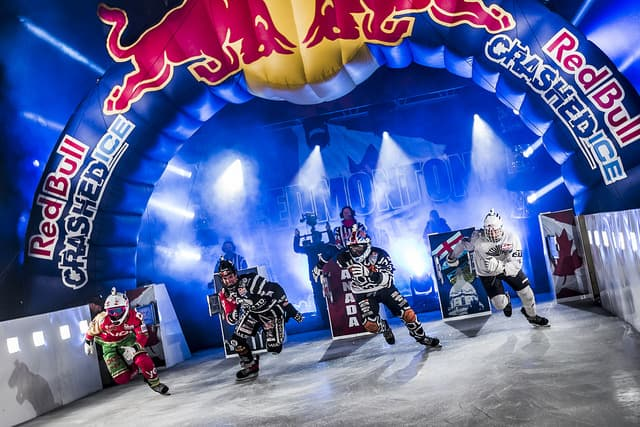 Red Bull crashed ice (via Ottawa 2017)